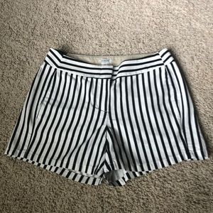 😍 NWT JCrew Navy & White Striped Shorts! 😍